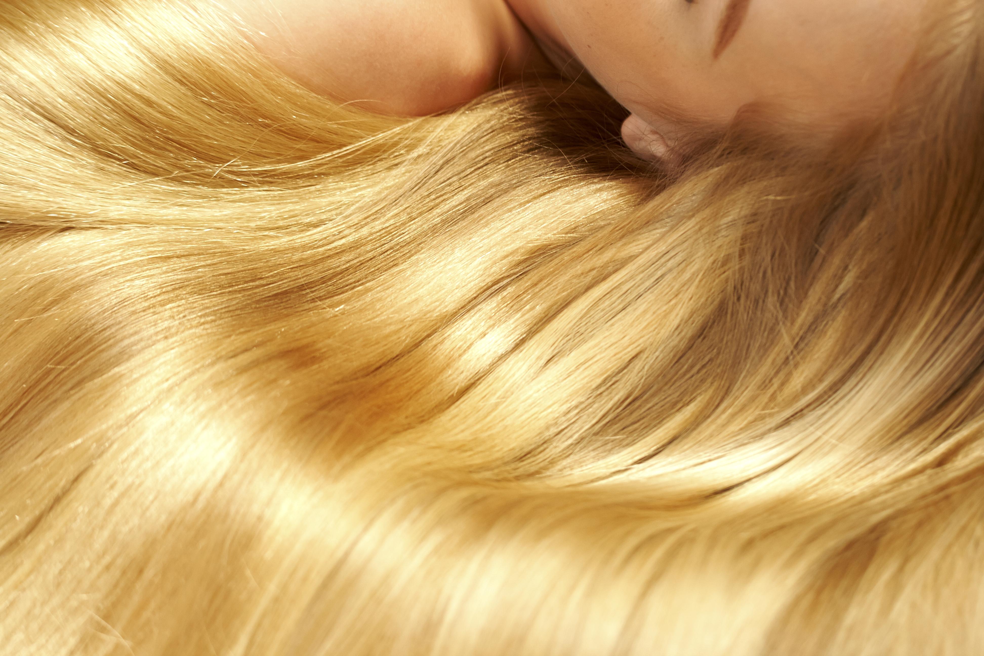 jak wzmocnić włosy naturalne sposoby